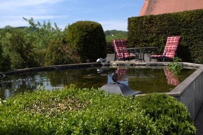 Sitzgruppe am Teich