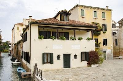 Casa Cafiero: magnífico refugio en una plaza tranquila, a poca distancia del centro