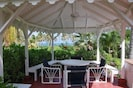 Private gazebo, great for a restful aftnernoon or al fresco dining.