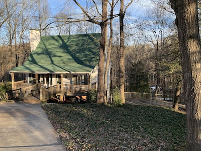 Welcome to TreeTops Lake House...your home away from home.