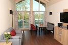 Panoramawohnung - Seeblick, 5 Personen, Balkon, 92 qm-Wohn- und Essbereich