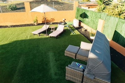EcoVilla White Suite, Climatized Pool, BBQ, free Wifi, Beach