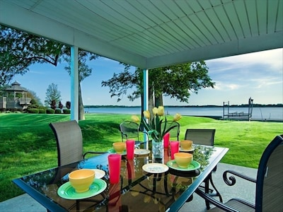 Great side patio for grilling  and eating out.