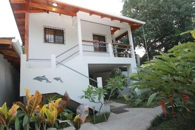 CASITA TREE HOUSE STUDIO APARTMENT AT CASA DEL MAR