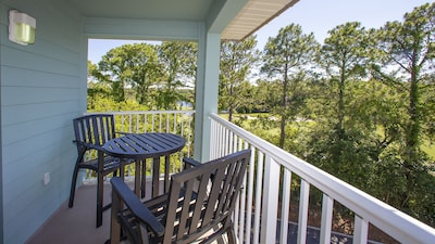 Private balcony with beautiful view!