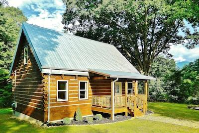 New* Cabin Clean in-town Black Mountain 15min Asheville 3BR/2BA Montreat Wifi !