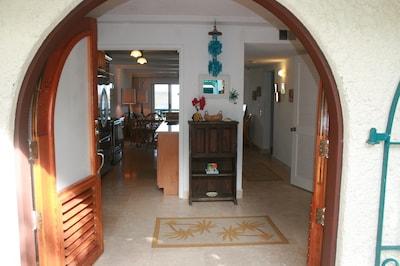 Entrance, welcome to Ocean View Condo