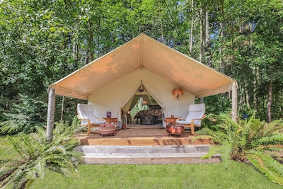 "Go ""Glamping"" on beautiful Whidbey Island in a 14' x 16' Wall Tent"