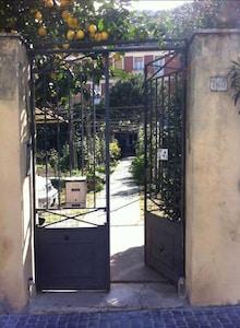 Noli, First Floor Apartment With Garden!