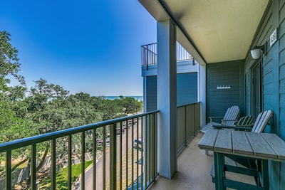 Beautiful ocean views from the deck as well as inside the unit!