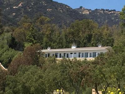 Trancas Vineyards Fabulous Ocean & Mountain Views Modern Farmhouse