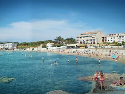 La plage de sable 2 à 150m