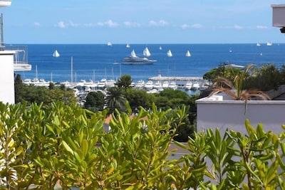 terrasse vue sur le port