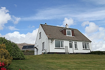 SEAVIEW ENCHANTING HOME IN STUNNING WESTER ROSS VILLAGE OF LOCHCARRON