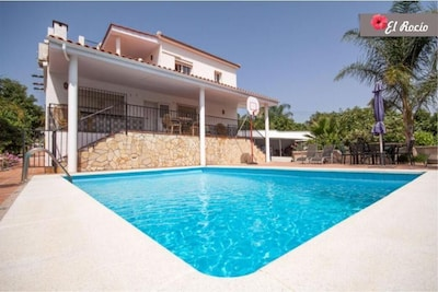 Apartamento en una casa de campo española con vistas panorámicas.