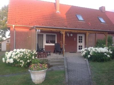 Ferienhaus im Grünen für 5 Personen und 2 Kinder von 0 - 5 Jahren