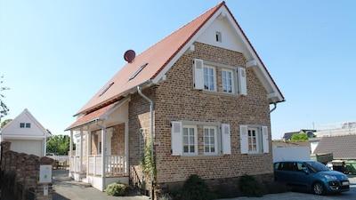 Dersdorf, Bornheim, North Rhine-Westphalia, Germany