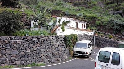 Pequeña casa de vacaciones en una zona tranquila (WIFI)