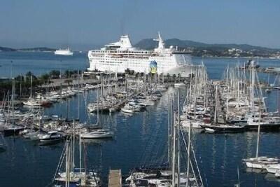 Vieille ville, Toulon, Var, France