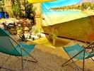 notre plage privée, la mer Egée, une voile  d'ombrage et les poissons rouges.