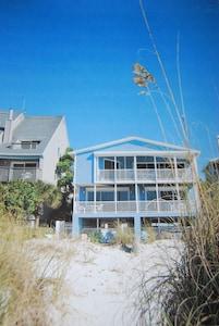 Gulf House villas with Balcony facing Beach
