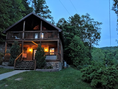 As the sun goes down, your cabin stay seems to light up the sky with stars.