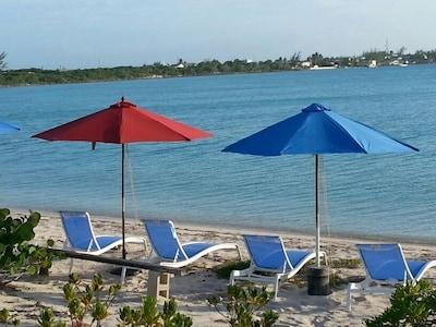 Plage d'Isacc Bay Beach, District de Black Point, Îles Exumas, Bahamas