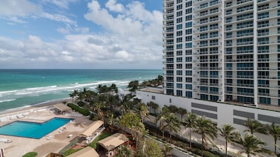 Alexander Tower, Hollywood, Florida, United States of America