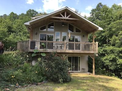 Bear Paw, Murphy, North Carolina, United States of America