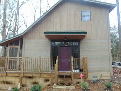 Georgous 2br Cabin Steps Away from Tim's Ford Lake
