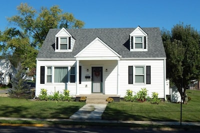 Welcome to Luray Cottage Vacation Rental in historic downtown Luray, Virginia.