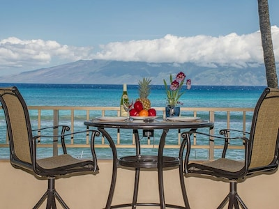 Spectacular Ocean Views from your private lanai
