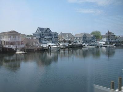 Beautiful bayfront views!