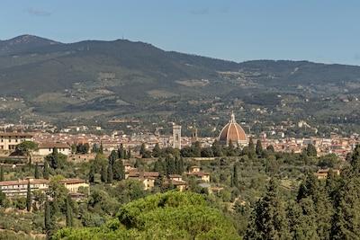 Terrazza su Firenze sulla collina di Arcetri vicino a Piazzale Michelangelo