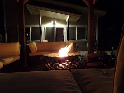 Private Studio Guest Home Near Whatcom Lake With Hot Tub & Firepit