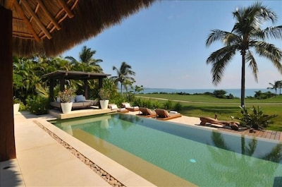 Spectacular Ocean,Mountain and Islands Views from Swimming pool and Main Palapa