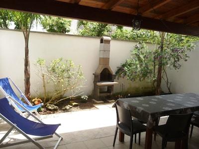 """Villino in """"residence SoleMar"""" con giardino e piscina, a due passi dal mare"""