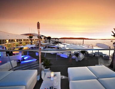 Cafe del Mar is a mere 5 minutes walk away, lovely place to chill by the pool
