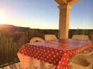 Salon de jardin sur terrasse, vue sur la nature aucun vis à vis