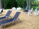 Great relaxing family area by the lake