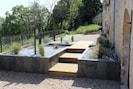 """le jardin """"zen"""" et son bassin à poissons"""