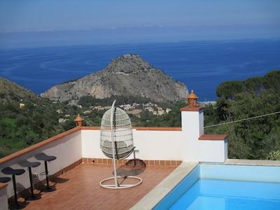 Lussuosa villa in Sicilia, in provincia di Palermo a Cefalù.