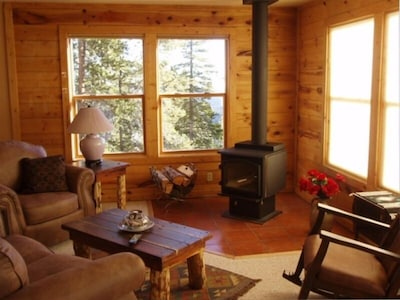 That Warm Colorado feel relaxed by the Fireplace at the 'Wilderness Cabin'