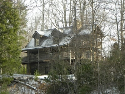 2 bedroom Hemlock Point cabin in Leatherwood Mountains subdivision.