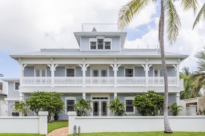 4 levels including the deck and crows nest! Old Key West Style.