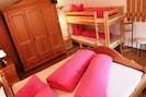 Schlafzimmer (Doppelbett m. Hochbett)
