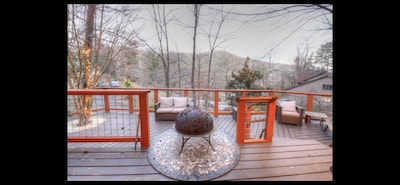 Beautiful, tranquil porch view from November to May.