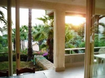 Baia dei Turchi - Casa stile californiano con giardino sul mare