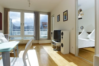 GetInBerlin Penthouse with private terrace facing the historic CheckpointCharlie