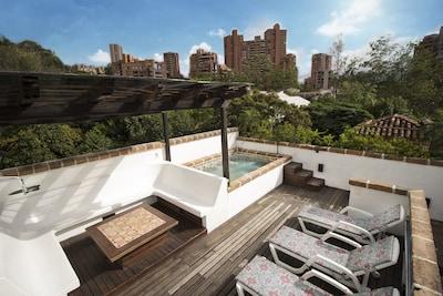 Terraza, Spa/Jacuzzi, Sun Bathing, Stunning City Views